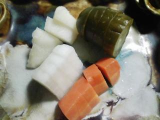 本日の晩ご飯のおかずの写真 北海道剣淵産キビ入りご飯、宮城産天然サケのチーズクリームかけなど