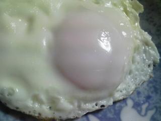本日の朝ご飯のおかずの写真 北海道産サケの白子の自家製味噌漬けの煮込み、煮干し出汁の味噌汁など