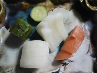本日の晩ご飯のおかずの写真 ロシア産活毛ガニの自家ボイル、肉野菜炒めなど