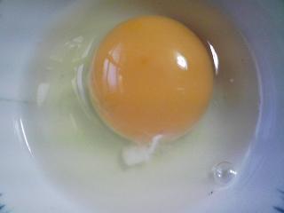 本日の朝ご飯のおかずの写真 千葉産イワシの丸干し、煮干し出汁の味噌汁など