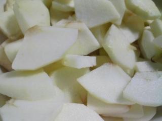 おやつ 青森産リンゴ 紅玉でアップルパイ
