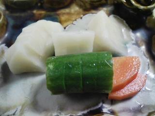 本日のお昼ご飯のおかずの写真 宮城産カキのカキフライ(オリーブオイル)、香の物