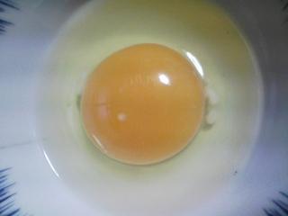 本日の朝ご飯のおかずの写真 静岡産真イワシの塩焼き、煮干し出汁の味噌汁など