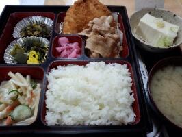 本日のお昼ご飯の写真 某居酒屋の定食
