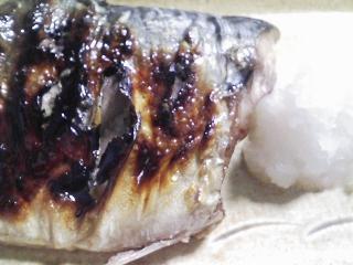 本日の晩ご飯のおかずの写真 宮城産真サバの塩焼き、ひよこ豆のスープなど