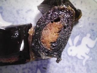 本日の朝ご飯のおかずの写真 神奈川の三崎産真アジの塩焼き、北海道小樽内堀水産さんのニシン昆布巻きなど