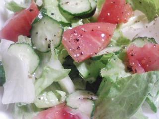 本日の晩ご飯のおかずの写真 神奈川の横須賀産海タナゴの塩焼き、サラダなど