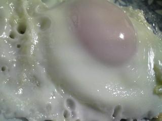 本日の朝ご飯のおかずの写真 鰹節出汁のおじや、神奈川の三崎産真アジの塩焼きなど