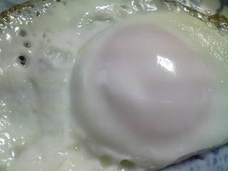 本日の朝ご飯のおかずの写真 カラフトシシャモ、アジ出汁の味噌汁など
