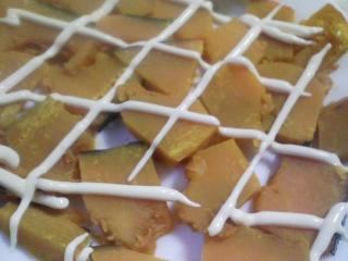 本日の朝ご飯のおかずの写真 青森産真イワシの塩焼き、煮干し出汁の味噌汁など