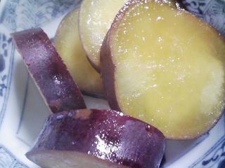 本日の朝ご飯のおかずの写真 ノルウェー産カラフトシシャモ、豚汁など