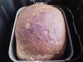本日のお昼ご飯の写真 パン焼き器(ホームベーカリー)で自家製食パン(小麦は、北海道JA音更の強力粉)、豚ロース肉のショウガ焼き、ジャガイモスープなど