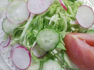 本日のお昼ご飯のおかずの写真 黒毛和牛のヒレ肉のステーキ、ジャガイモと紫芋のスープなど