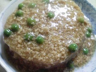 本日の晩ご飯のおかずの写真 神奈川の横須賀産のイシモチの塩焼き、三浦大根のあんかけ、三浦大根の葉の炒め物など