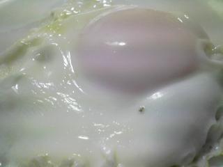 本日の朝ご飯のおかずの写真 千葉産アジの開き、煮干し出汁の味噌汁、三浦大根の葉の炒め物など