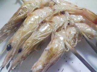 本日のお昼ご飯の写真 群馬の星野物産さんの粉でお好み焼き、芝エビの醤油漬け焼きなど