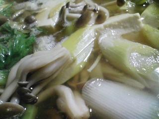 本日の晩ご飯のおかずの写真 神奈川の松輪産サヨリの刺身、サヨリ出汁の野菜鍋など