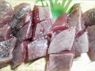 本日の晩ご飯のおかずの写真 神奈川の長井産マルソウダの刺身、マルソウダのなめろう、マルソウダ出汁の鍋など
