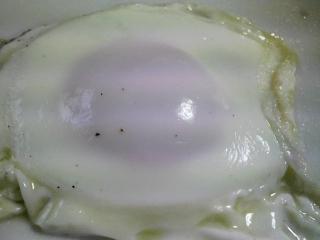 本日の朝ご飯のおかずの写真 神奈川の横須賀産サヨリの塩焼き、サバと鰹節出汁の味噌汁、三浦大根の葉の炒め物など