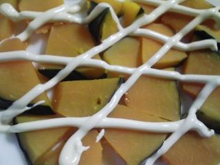 本日の朝ご飯のおかずの写真 神奈川の長井産マルソウダの味噌煮、マルソウダと鰹節出汁の味噌汁など